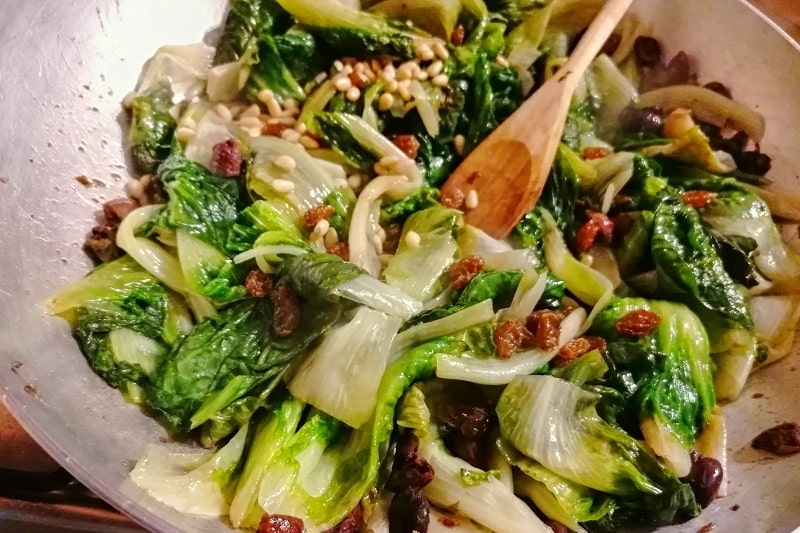 【ナポリ風スカローラ】ナポレターノが大好きなクタクタ煮 -Scarola alla napoletana-
