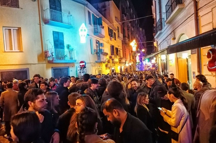 【バレッティ】オシャレなバールが並ぶ 若者に大人気のバール街 -Baretti a Chiaia-