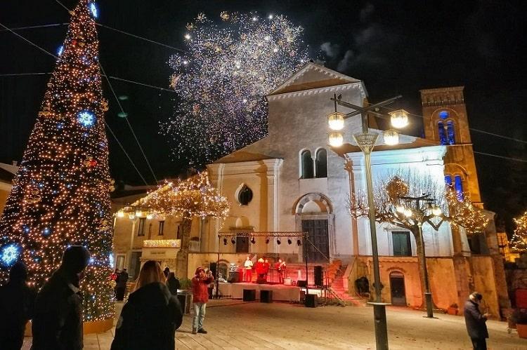 【カポダンノ】街中から花火が打ち上げられる!イタリアでの年越しの祝い方-Capodanno-