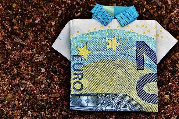 イタリアで使われている通貨の種類とオススメの両替方法とは