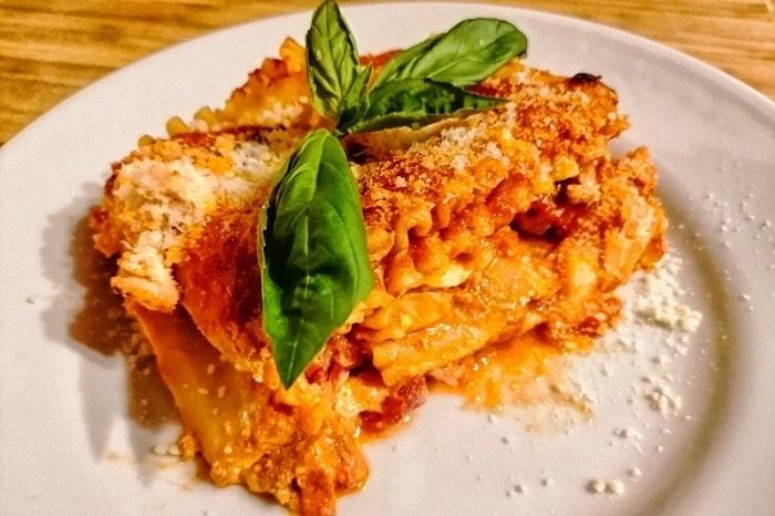 ナポリ風ラザニアのレシピと特徴 -Lasagna napoletana-