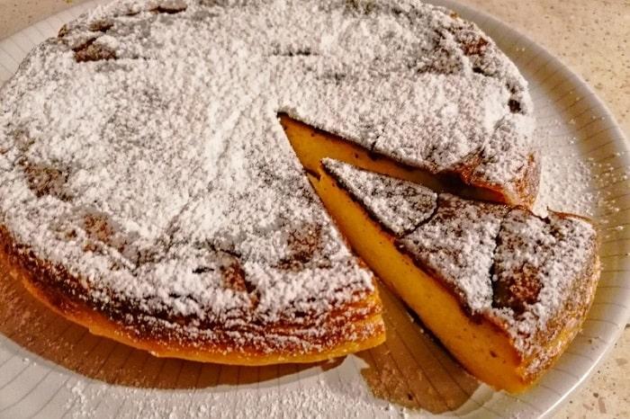 【ミッリャッチョ】カルネヴァーレに欠かせないナポリの伝統菓子 -Migliaccio-