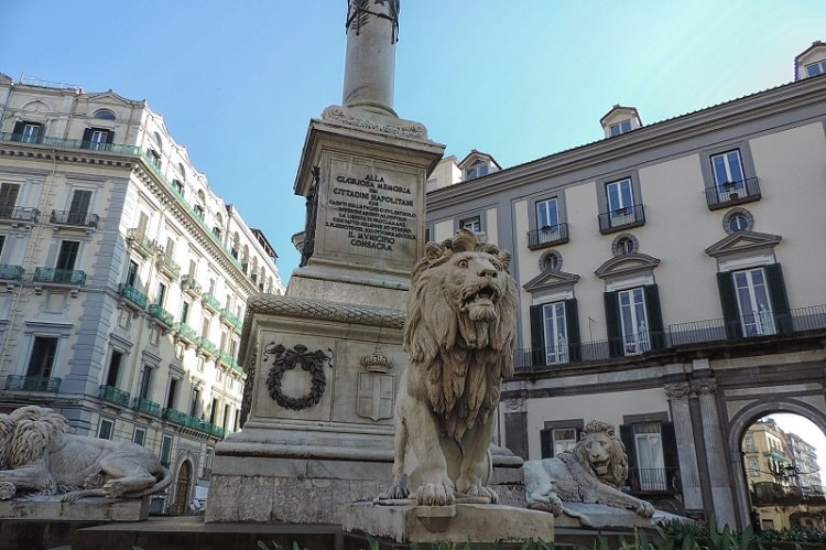 【マルティリ広場】殉職者へのオマージュを意味する広場 -Piazza dei Martiri-
