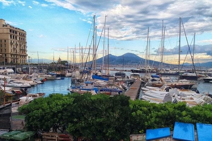 【サンタルチア地区】ナポリ湾に面した美しい港町 -Santa Lucia-