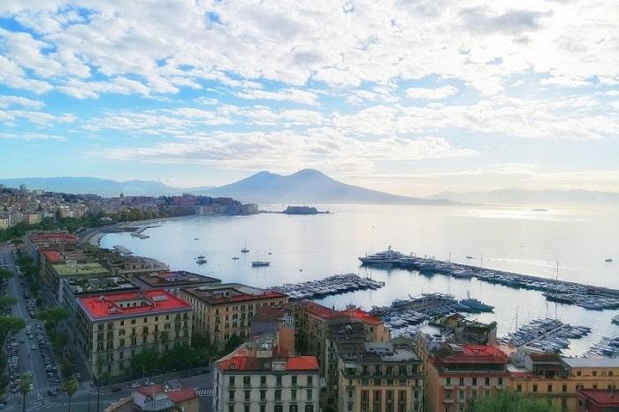 【オーソレミオ】世界で歌われるナポリのカンツォーネの意味と誕生秘話 -'O sole mio-