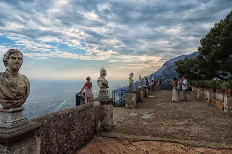 【ヴィッラ チンブローネ】天空のテラスとも称されるラヴェッロの美しすぎる庭園 -Villa Cimbrone-