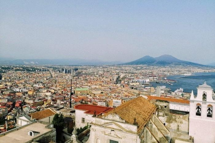 ナポリの歴史について